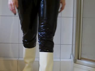 Video of Gummistiefel und Lack